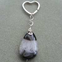 Agate With Quartz Keyring Silver Tone