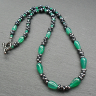 Green Onyx and Seed Bead Beaded Necklace