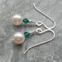 Pearl Earrings With Swarovski Elements Emerald Green