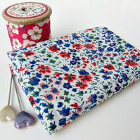 Phoebe (blue, white & red) - Liberty Mini Single (9x12 inches)