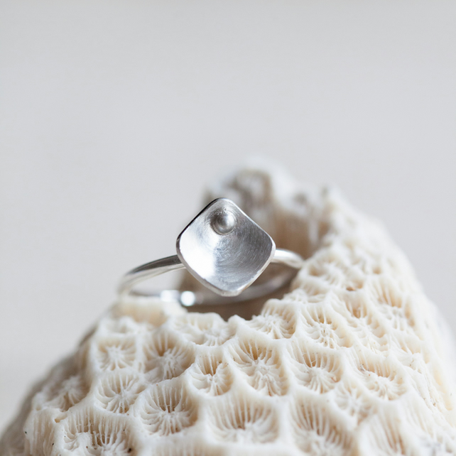 One Large Squares and Pearls Ring