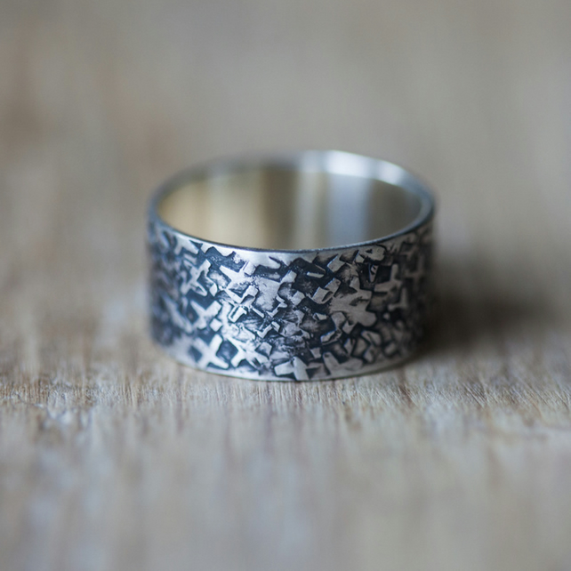 Sterlng Silver Ring with X Hammer Marks
