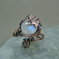 Adjustable statement copper ring with ivy leaves and moonstone