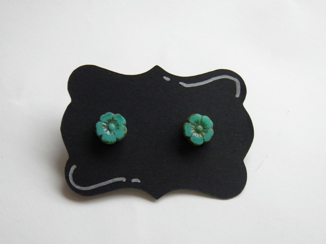 Flower Earrings in Turquoise