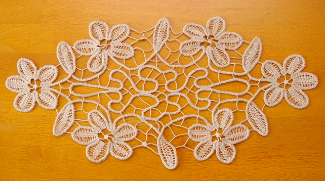 Hand Made Dancing Flowers Doilies Home Ornament