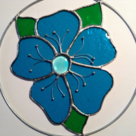 "Decorative Stained glass flower in 8"" ring"