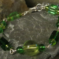 Multi-green cube and round beaded bracelet