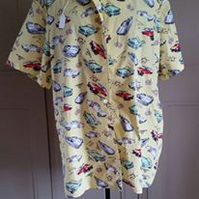 Men's short sleeved shirt made from fabric with classic American cars on
