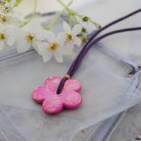 Sale-Pink daisy necklace
