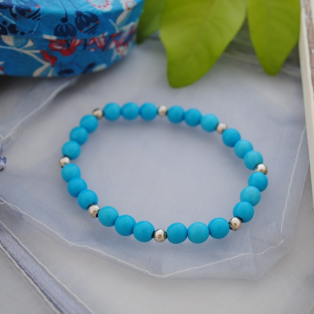 Turquoise & silver bead bracelet-beach & surfer style