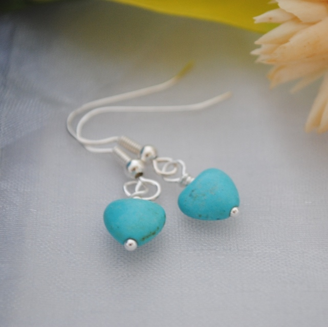 Turquoise howlite heart & silver earrings