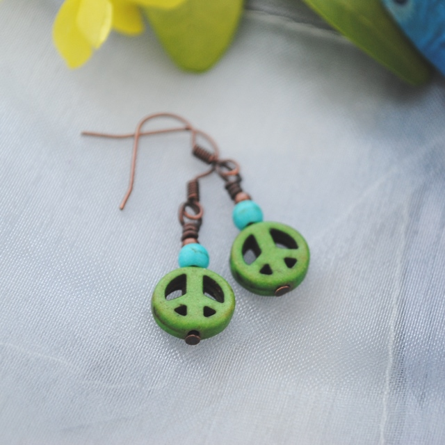 Howlite green peace & turquoise earrings