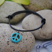 Friendship Bracelet-Black Leather & Turquoise howlite peace