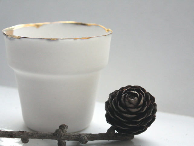 Small English fine bone china planter with real gold rim