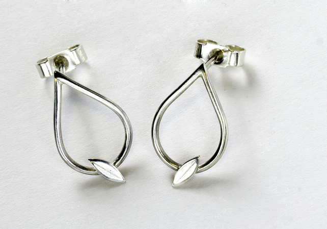 High polished sterling silver tear drop earrings with leaf detail