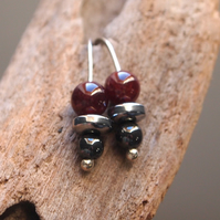 silver and garnet earrings, drop garnet earrings
