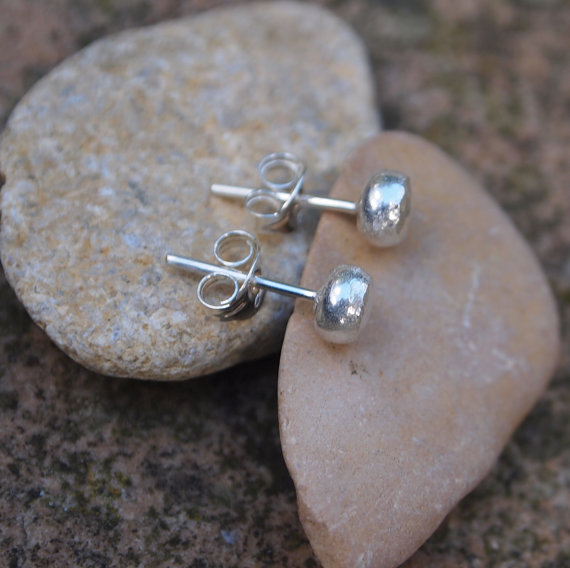 Earrings, silver stud earrings, 5mm diameter Earrings