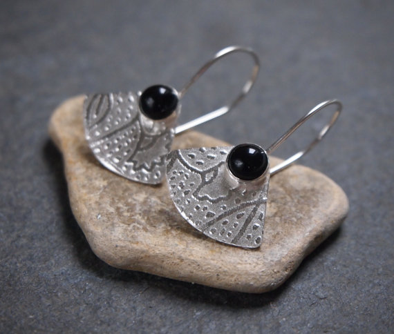 Black onyx & silver fan earrings