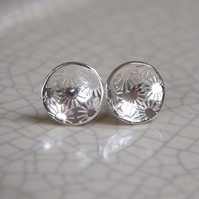 flower blossom stud earrings, silver flower stud, daisy studs, silver studs