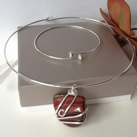 Artisan 'Red Tigers Eye' Gemstone Choker Necklace with Silver Plated Bangle