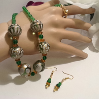 Emerald Green & Gold Necklace with Matching Earrings and Magnetic Clasp