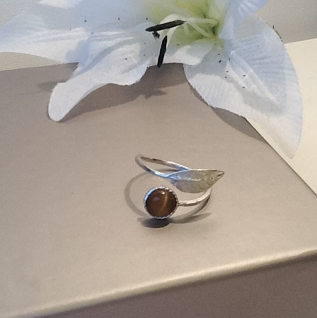 Sterling Silver Adjustable Leaf Ring with Bronze Cats Eye Cabochon