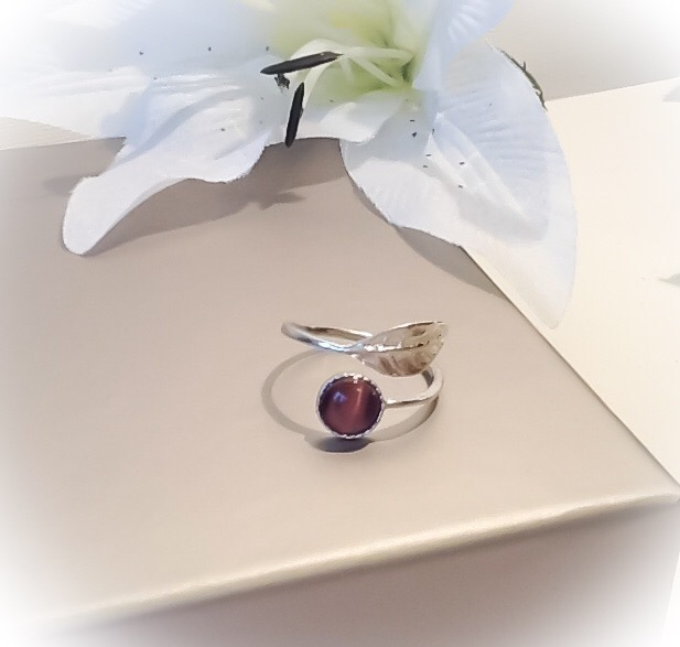 Sterling Silver Adjustable Leaf Ring with Amethyst Cats Eye Cabochon