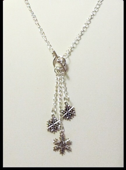 'FALLING SNOWFLAKES' Pendant Necklace and Earrings Gift Boxed Birthday