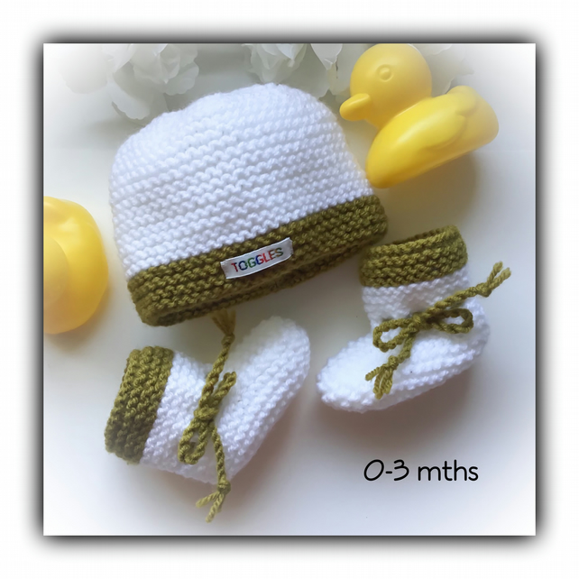 Olive Green & White Baby Hat & Booties Set Hand Knitted Gift Wrapped Gift Set