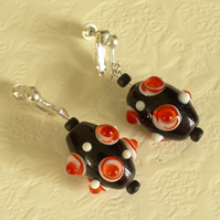SALE - screw clasp earrings - black and red