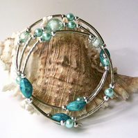 Memory Wire Bracelet: Turquoise Blue Beads, Glass Pearls & Silver-tone Accents