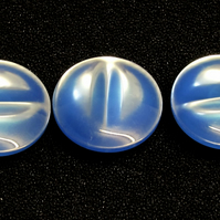Vintage Buttons: Royal Blue with a 'Cat's Eye' Effect 3x 18mm