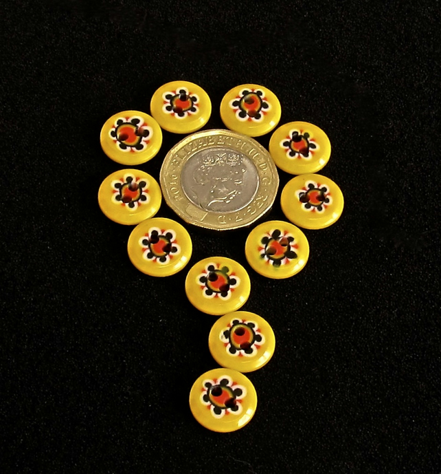 Vintage Buttons: Bright Yellow with Flower Centers 11x 13mm