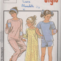 Vintage STYLE 4549 Sewing Pattern: Nightie & Pyjamas, size 10, 12, 14