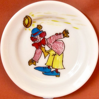 Hand Painted 'Clown & Pie' Cartoon on a Pyrex Plate, 16cms diameter