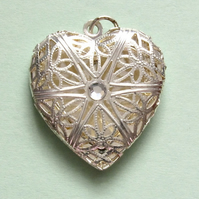 Destash:HEARTS: Small Filigree Heart Shaped, Silver-Plated Locket 2.8cms