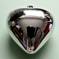 Destash:HEARTS: Large Shiny Silver-Plated Puffy Heart 4.5cms