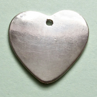 Destash:HEARTS: Large Silver Coloured Heart, Plain  2.7cms
