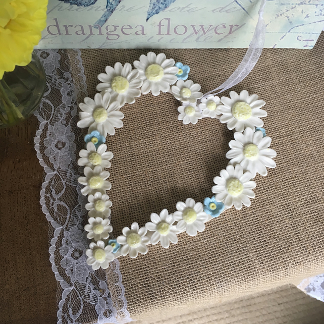 Decorative hanging heart with handmade porcelain daisies