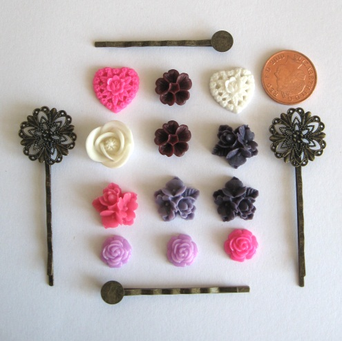 'In the pink' cabochon and bobby pin set