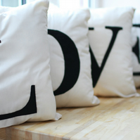 L O V E cushion set