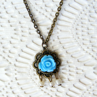SALE! 50% off! Dainty Pendant Necklace with Resin Flower