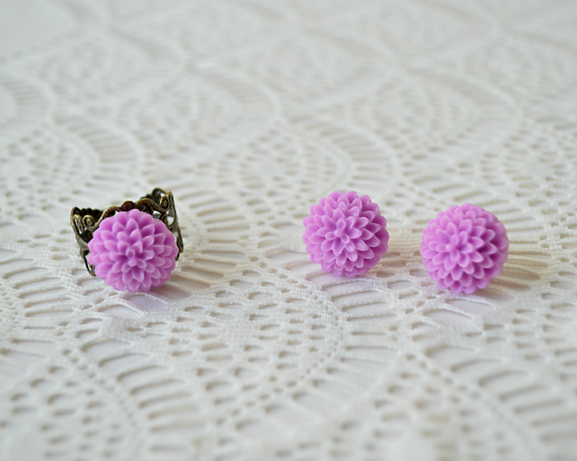 Sale! 20% off! Purple Dahlia Ring & Earring Set