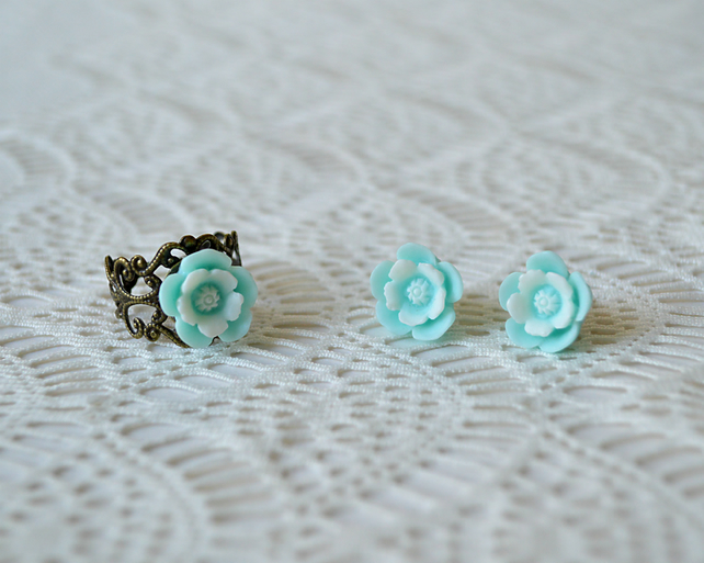 Sale! 20% off! Pale Blue Flower Ring & Earring Set