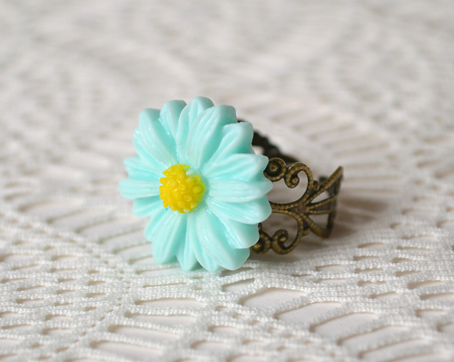 Sale! 20% off! Pale Blue Daisy Cabochon Ring