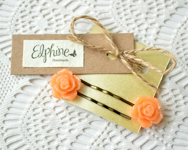 Pair of Bobby Pins with Peach Roses