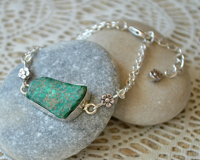 Green Jasper and Silver Flower Bracelet
