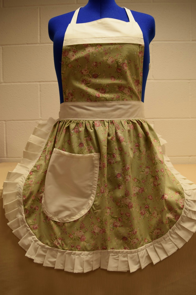 Vintage 50s Style Full Apron Pinny - Pale Green Floral with Cream Trim