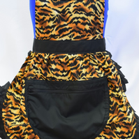 Vintage 50s Style Full Apron Pinny with Large Zipped Pocket - Tiger Stripe Print