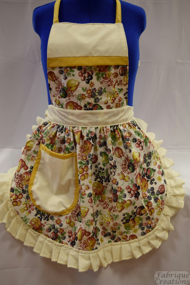 Vintage 50s Style Full Apron Pinny - Summer Fruits on Cream
